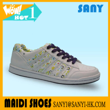 High Quality Fashionable Woman White Skate Casual Shoe with Smart Upper and Lining of Printed dots