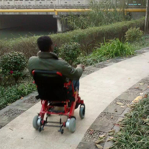 Wofftown Tells you How to Use Portable Motorized Electric Wheelchairs Correctly