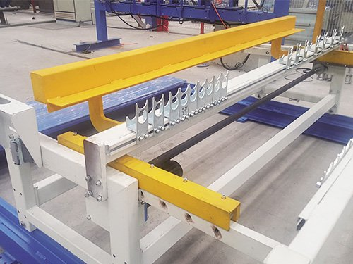 5 LIne wire feeding and aligning device
