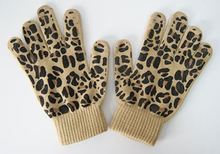 Customized Winter Knitted Acrylic Magic Glove with Leopard Print