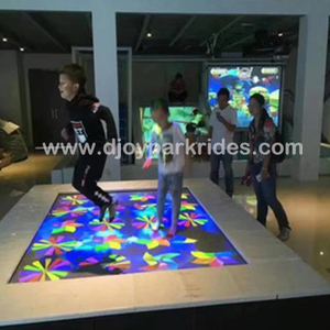 DJIP05 Newest kids trampoline interactive projection