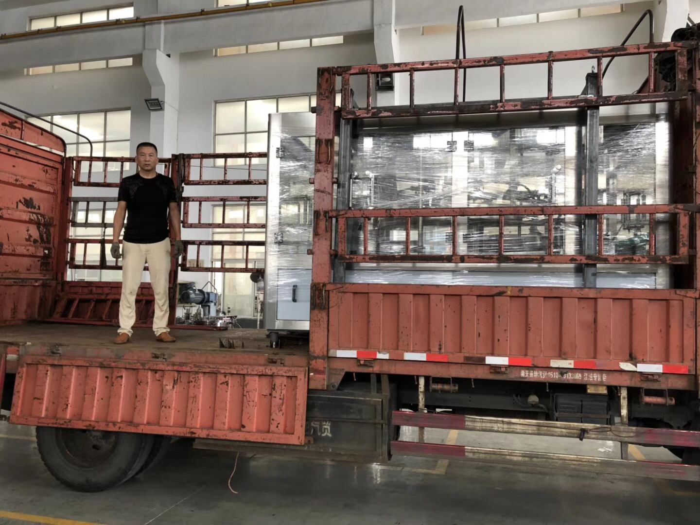 Shipment of 3L-5L water filling machine