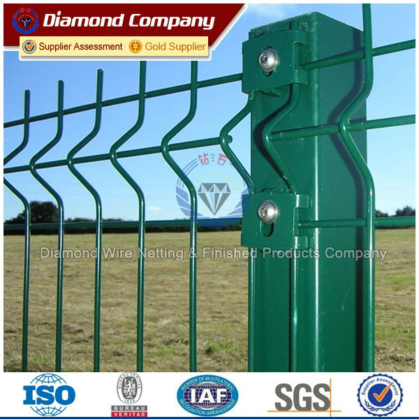 PVC Powder Coated Garden fence/ Curved Welded Mesh Fence panel ...