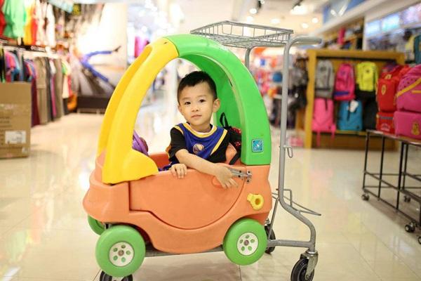 child shopping trolley.jpg