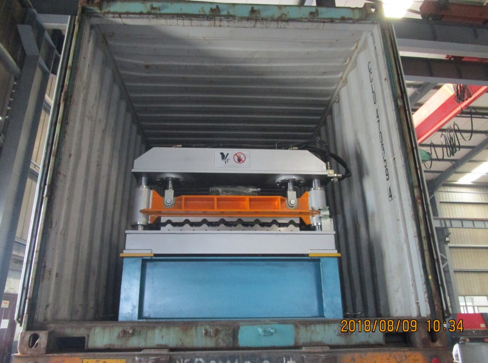 Delivery of R101 Roof Panel Roll Forming Machine to USA